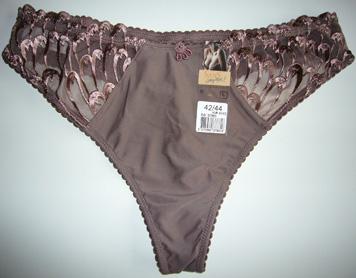 photo string lingerie sans complexe